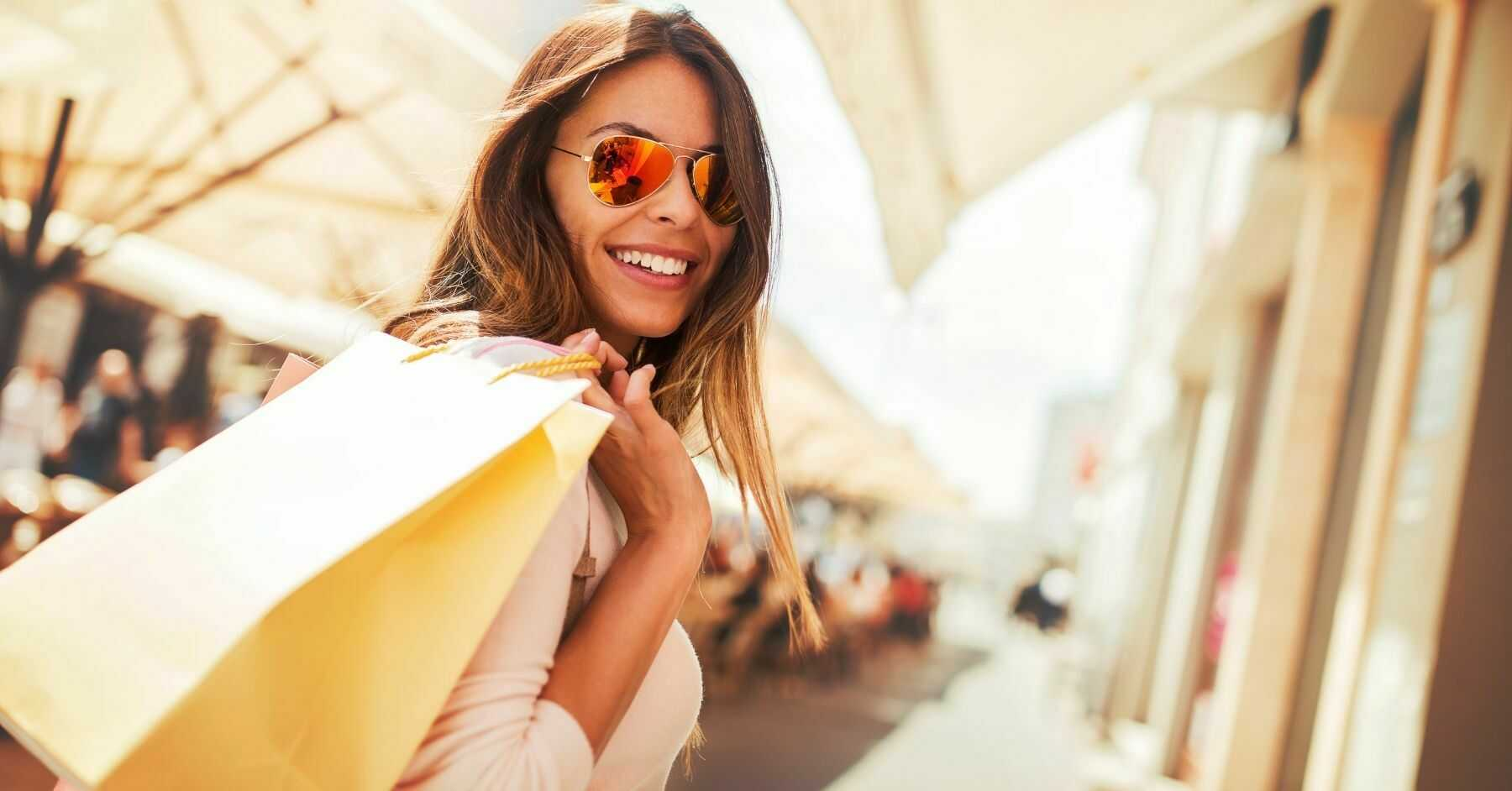 25 Must-know Italian Phrases For Shopping And Dining