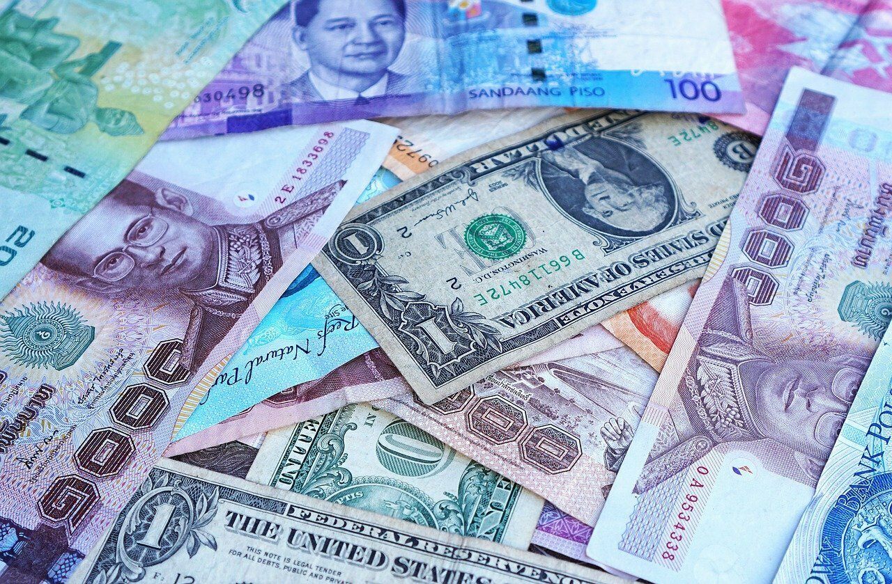 Thai banknotes, among others